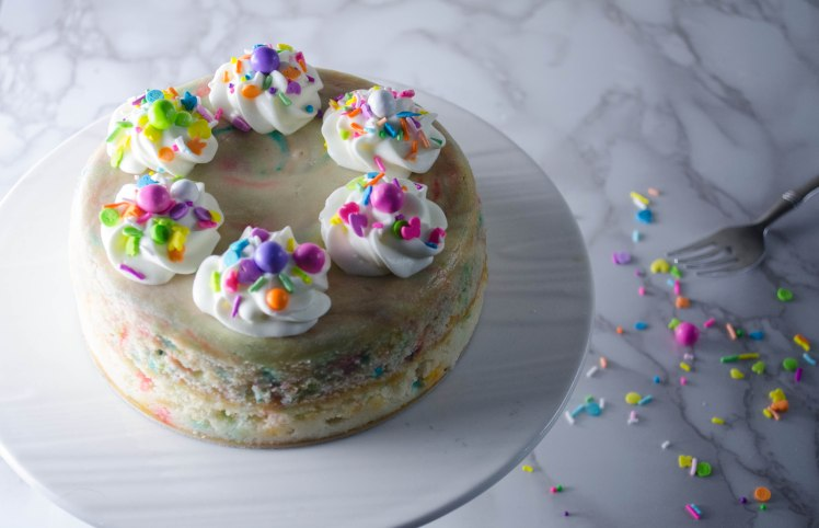 funfetti cake (3 of 3).jpg